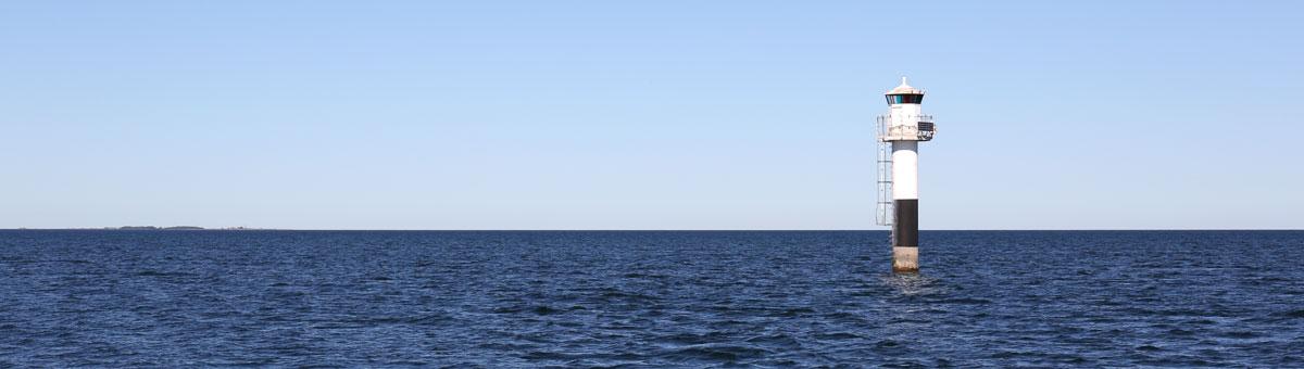 Fyr öster om Gotland. Foto: Christina Wallnér